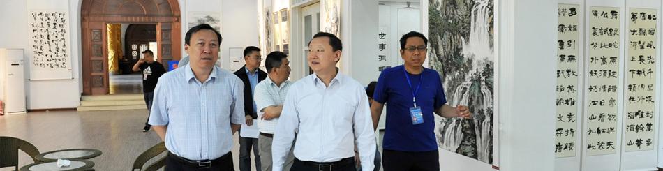 市人大常委会副主任、市总工会主席张磊来文化宫调研